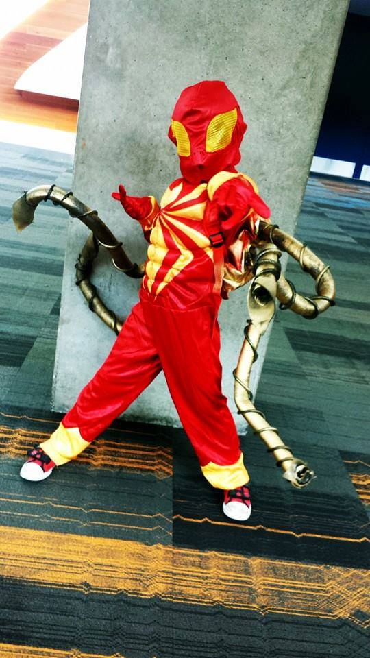 FANBOY PLANET.com .: dcc-big-wow-2014-son-cosplay